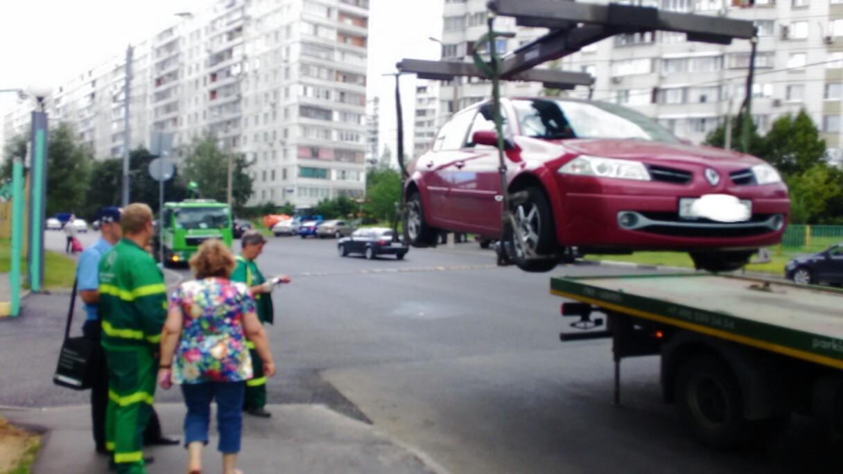 Фото-фиксация противоправных действий должностных лиц правительства Москвы произведенная в рамках оказания бесплатной юридической помощи. Фото 2.