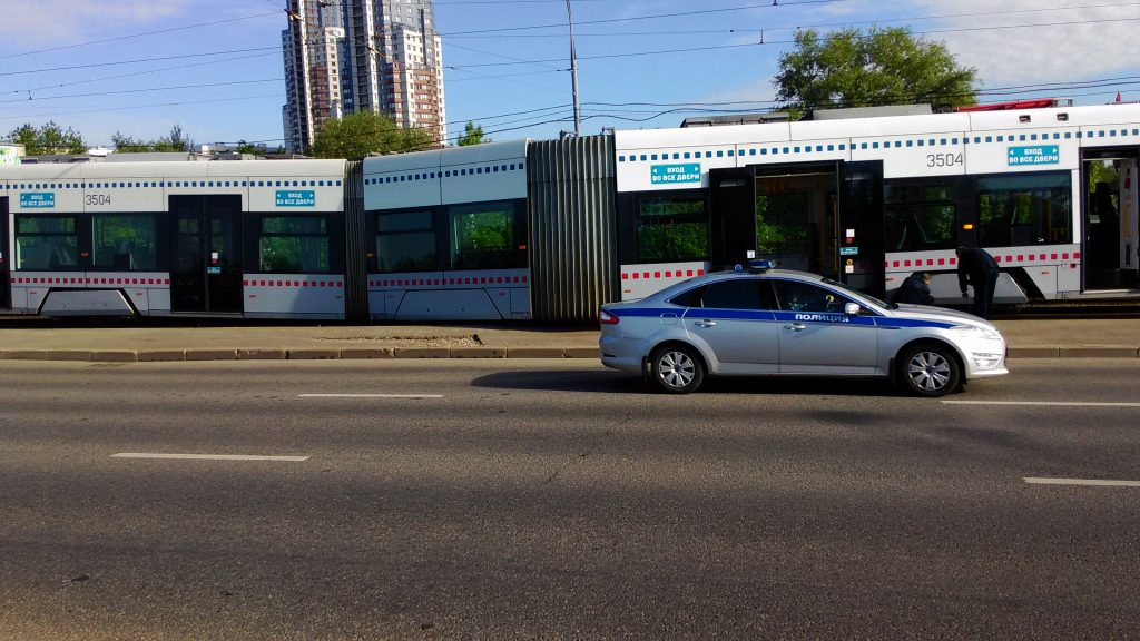 Фотография полицейского автомобиля для публикации о действиях сотрудников МВД.
