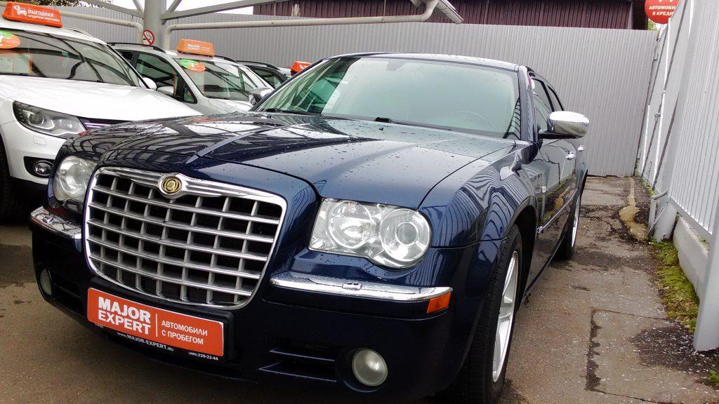 Изображение автомобиля для публикации об основных моментах государственной регистрации транспортных средств в ГИБДД.
