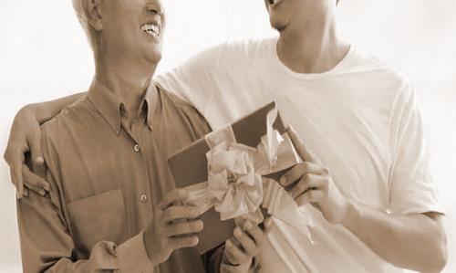 Обязанность уплатить налог при дарении не возникает, если недвижимость, автомобиль Вы получили от близкого родственника