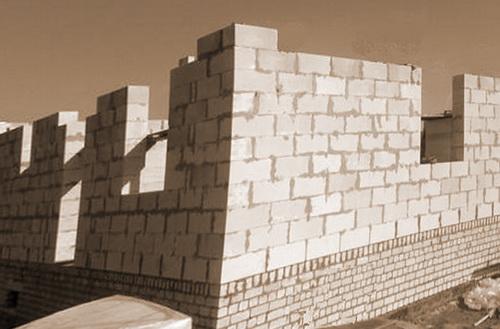 Вы имеете возможность вернуть часть потраченных на строительство жилого дома денег, оформив налоговый вычет